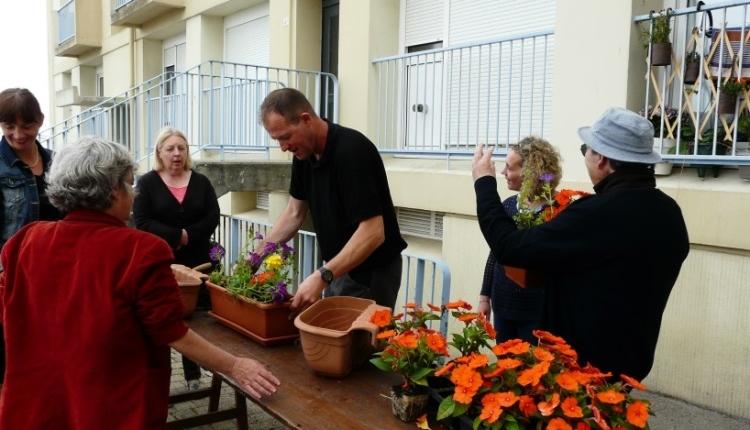 Lancement des Ateliers « Fleurissement » : une première à Barbusse
